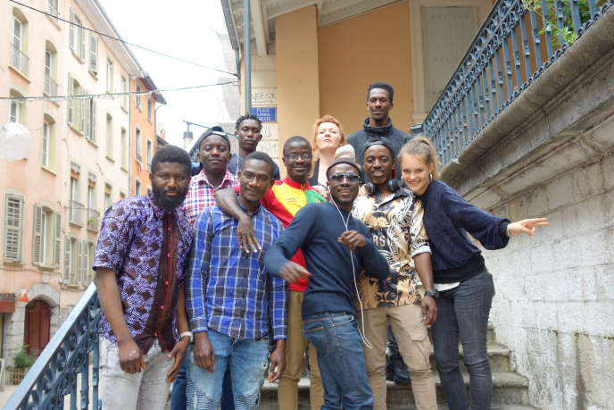 L'équipe duBureau des dépositions à Grenoble le 14 juin 2019.