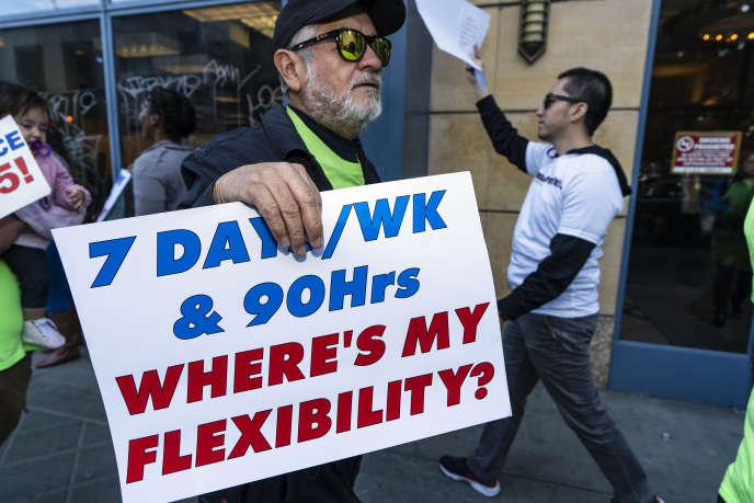 Les chauffeurs des entreprises Uber et Lyft dénoncent des salaires de misère à Los Angeles, Californie, le 5 février.