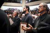 Après le crash, la communauté iranienne vient se recueillir au mémorial de Toronto. Canada, le 12 janvier.
