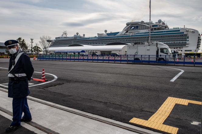 Le navire de croisière «Diamond-Princess», en quarantaine à Yokohama, au sud de Tokyo, le 20 février, en raison des craintes du coronavirus.