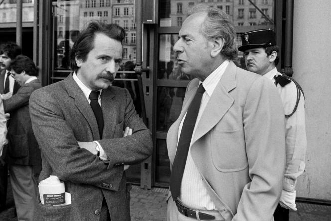 Jean Daniel au côté de Régis Debray, à Paris, le 12 juin 1981.