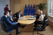 Ursula Van der Leyen, aux côtés du chancelier autrichien, et des premiers ministres néerlandais, suédois et danois, à Bruxelles, le 20 février.