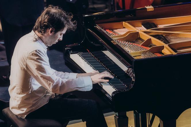Le pianiste français Alexandre Kantorow sur la scène des «Victoires de la musique classique», àMetz, vendredi 21 février.
