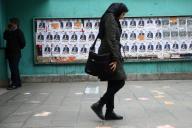 Affiches de campagne en amont des élections législatives, à Téhéran, le 19 février.