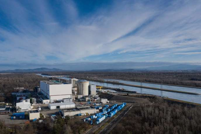 «Pourquoi Fessenheim? Parce que les réacteurs de Fessenheim sont les plus anciens encore en activité et parce que le positionnement de la centrale en zone inondable et sismique conduit encore davantage à vouloir limiter les risques» (Fessenheim, le 21février).