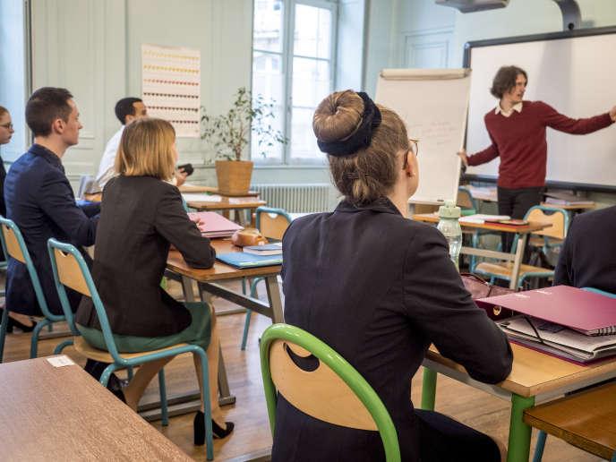 Dans la classe du Cours Hotelier de Besançon