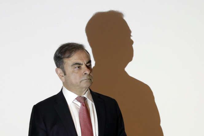 Carlos Ghosn s'adresse à des journalistes pour expliquer ce qui l'a conduit à fuir la justice japonaise, à Beyrouth, le 8 janvier.
