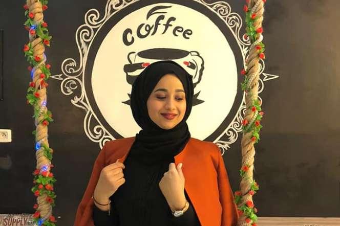 Amira Tlili, la gérante du café Baroque, à Tunis.