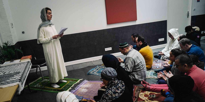 « C'est une possibilité de prière juste » : premier prêche pour la femme imame Kahina Bahloul