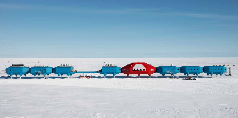 Dans l'Antarctique, les stations deviennent les porte-drapeaux des grandes nations