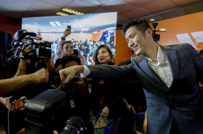 Le chef de file du Parti du nouvel avenir, Thanathorn Juangroongruangkit, après qu'un tribunal de Bangkok a ordonné la dissolution de son parti, le 21 février 2020.