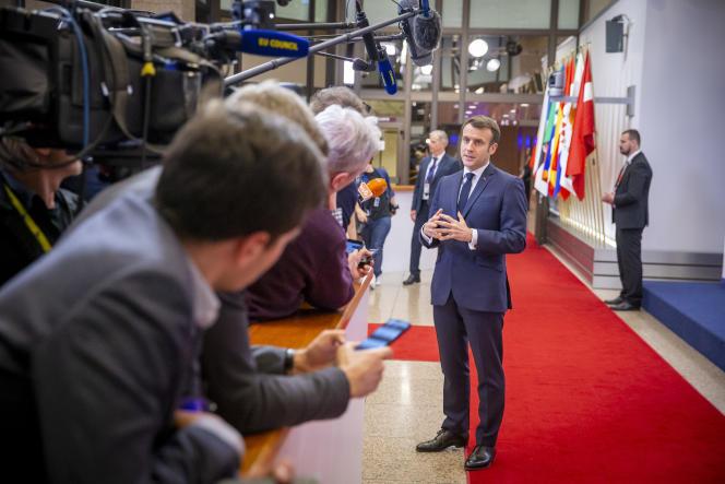 Le président français, Emmanuel Macron, s'exprime devant lapresse à l'issue du sommet européen deBruxelles, le 21 février.