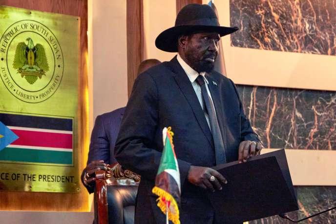 Le président du Soudan du Sud, Salva Kiir, assiste à l'intronisation de ses cinq vice-présidents dont le premier d'entre eux, Riek Machar, le 22 février 2020 à Juba, la capitale. AFP / ALEX MCBRIDE