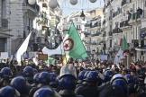 Des milliers de personnes ont arpenté les rues d'Alger pour célébrer les un an du Hirak, le 22 février.