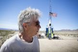 Le 6 mars 2018, «Mad» Mike Hughes dans le désert californien.