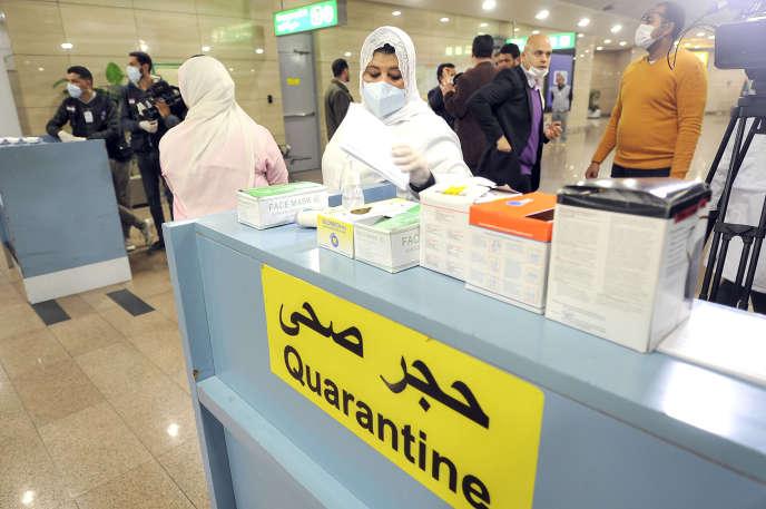 Tổ chức kiểm dịch tại sân bay Cairo vào ngày 1 tháng 2 năm 2020. Một trường hợp ô nhiễm đầu tiên và hiện tại là trường hợp duy nhất, được tuyên bố vào ngày 14 tháng 2.