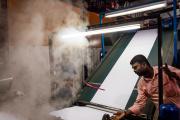 A l'usine textile de GMS Processors Private Limited, à Tiruppur (Tamil Nadu), en Inde, le 18 février.