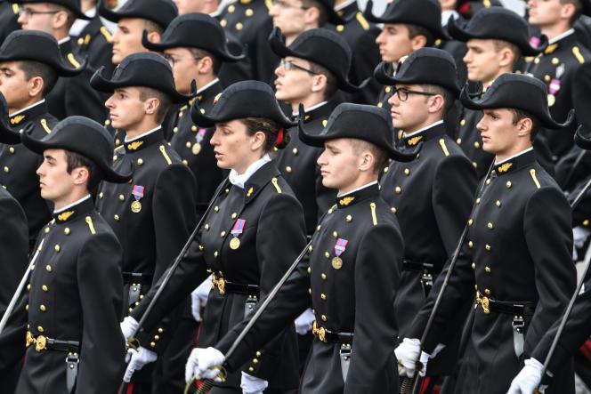 Des étudiants de Polytechnique, lors du défilé militaire du 14 juillet 2019 à Paris.