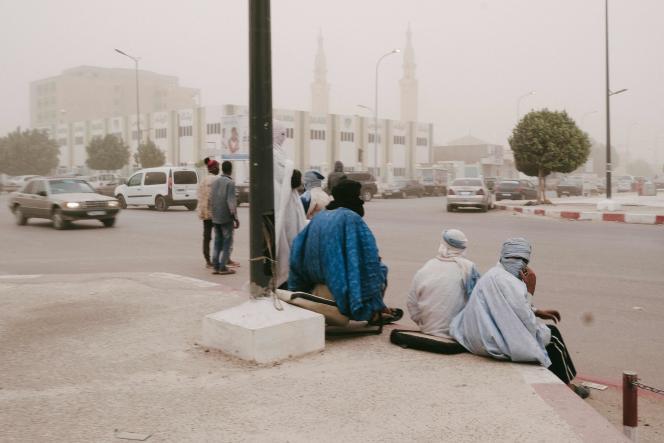 Vent de sable dans les rues de Nouakchott, le 24 février 2020, jour du sommet du G5 Sahel qui réunissait les chefs d'Etat et de la diplomatie française, nigérienne, malienne, burkinabé, tchadienne et mauritanienne.