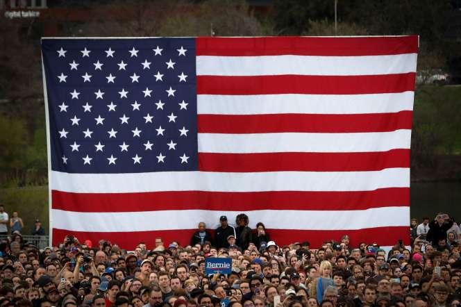 Venus par milliers, les partisans de Bernie Sanders veulent croire à la nomination de leur candidat à Austin (Texas), le 23 février.