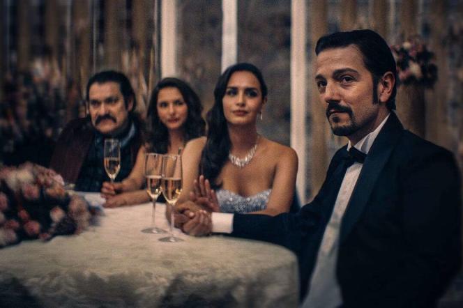 Le parrain de la drogue Miguel Angel Felix Gallardo, interprété par Diego Luna, dans la saison 2 de« Narcos : Mexico».