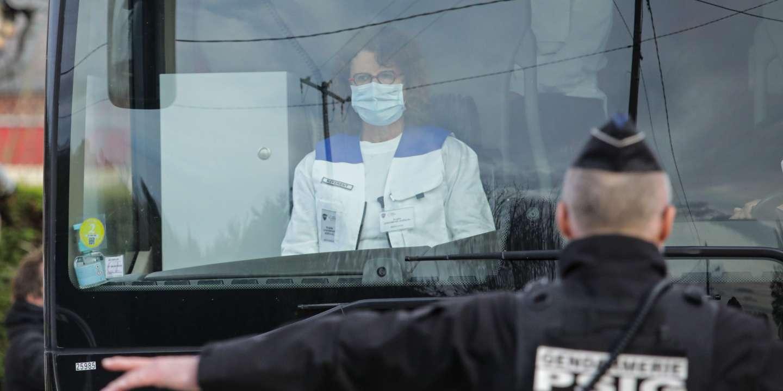 La France hausse d'un cran sa mobilisation face à l'épidémie de Covid-19