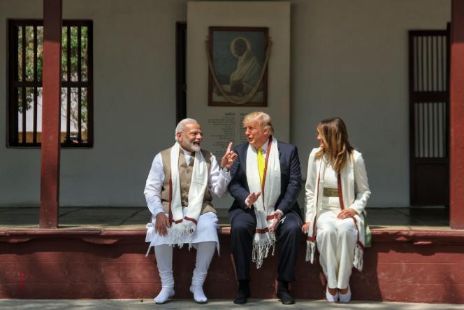Le premier ministre indien, Narendra Modi, Donald Trump et son épouse Melania, le 24 février àAhmedabad, dans l'ouest de l'Inde.