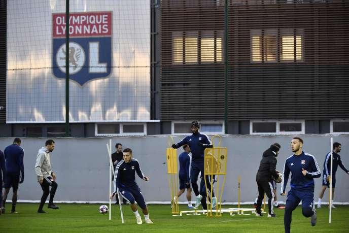 Les joueurs de l'Olympique lyonnais pendant leur entraînement du 25 février, la veille de leur match de Ligue des champions face à la Juventus de Turin.