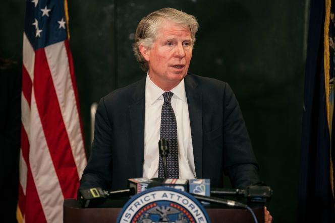 Le procureur de New York, Cyrus Vance, en conférence de presse, après le verdict du tribunal de New York, le 24 février.