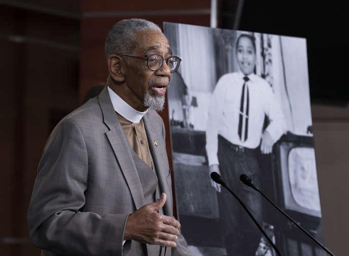 « De Charlottesville à El Paso, nous sommes toujours confrontés au même racisme violent et à la haine qui ont coûté la vie à Emmett et à bien d'autres », a déclaré Bobby Rush, représentant démocrate de l'Illinois qui a défendu ce texte.