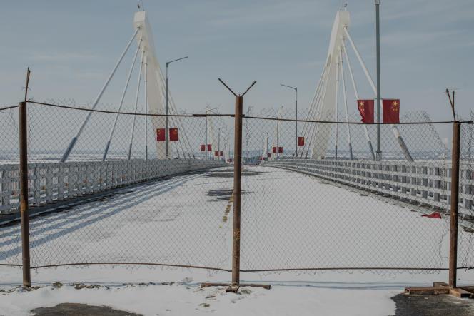 Le nouveau pont sur le fleuve Amour entre Blagovechtchensk (Russie) et Heihe (Chine) le 24 février. Son inauguration a été reportée.