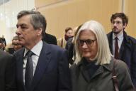 François Fillon et sa femme Penelope, mercredi 26 février, au palais de justice de Paris.