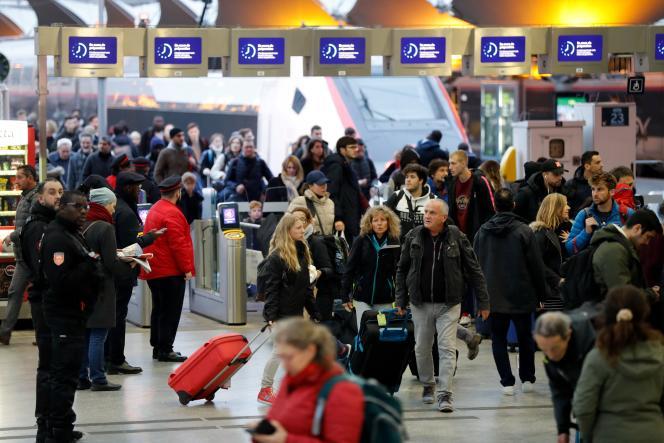 À la gare de Lyon, à Paris, le 5 janvier.
