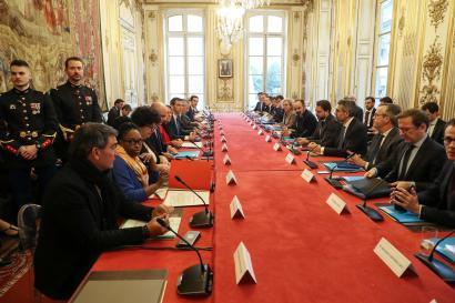 Réunion de ministres à propos du coronavirus, au palais de l'Elysée à Paris, le 26 février.