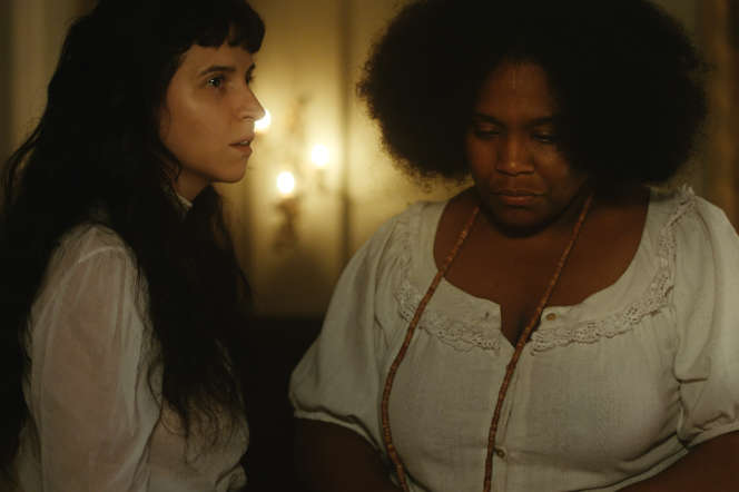 Carolina Bianchi (Ana) et Mawusi Tulani (Ina) dans «Todos os mortos».