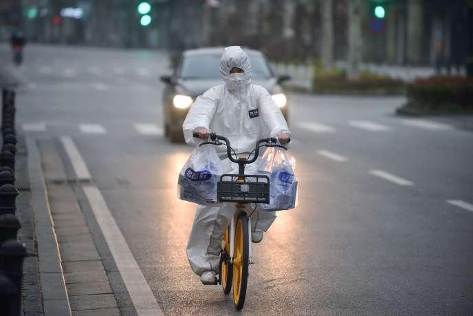 Coronavirus : « A Wuhan, on transporte les cadavres dans des sacs ...