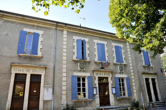 Ecole communale, à Saoû, dans la Drôme provencale.