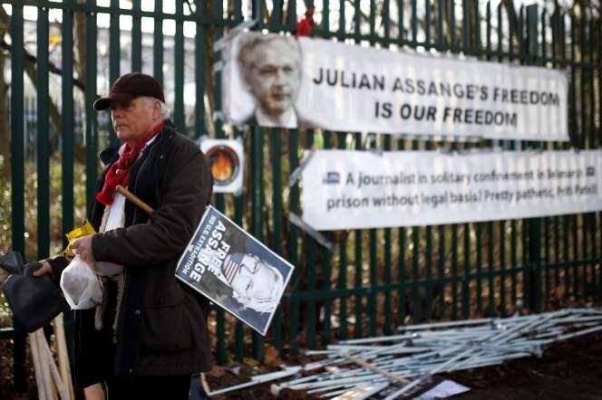 Manifestation en soutien à Julian Assange, devant laWoolwich Crown Court de Londres, le 25 février.
