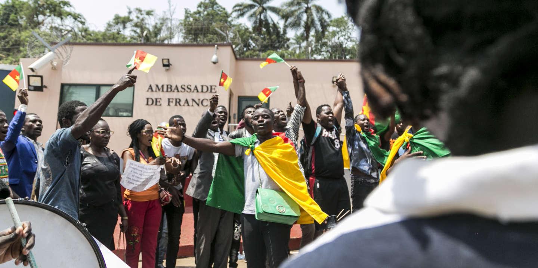 Le Cameroun secoué par la promesse de Macron de mettre « le maximum de pression » sur Paul Biya