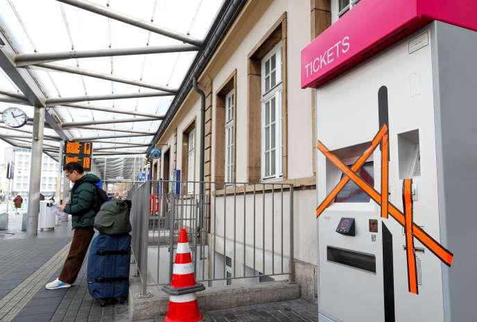 Les distributeurs de billets vont progressivement être retirés à Luxembourg, le samedi 29 février.