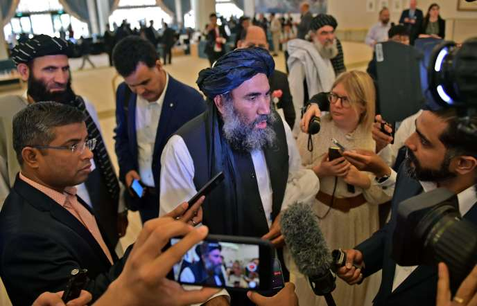 Le mollahAbdul Salam Zaeef, l'un des responsables talibans, samedi 29février à Doha, quelques heures avant la signature de l'accord.