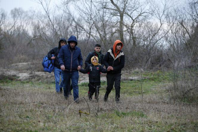 Des migrants à la frontière turco-grecque.