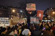Manifestation autour de la Salle Pleyel, à Paris, où se tenait la cérémonie des Césars vendredi 28 février 2020.