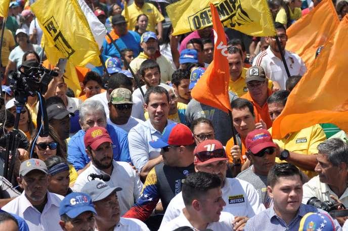 Juan Guaido a manifesté avec ses partisans à Barquisimeto, au Venezuela, le samedi 29 février.