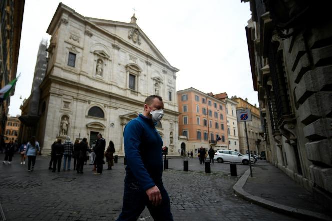 Les rues de Rome, le dimanche 1er mars.