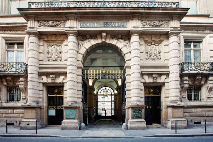 Le Palais Cambon, situé entre la place Vendôme et la place de la Concorde, accueille la Cour des comptes depuis 1912.