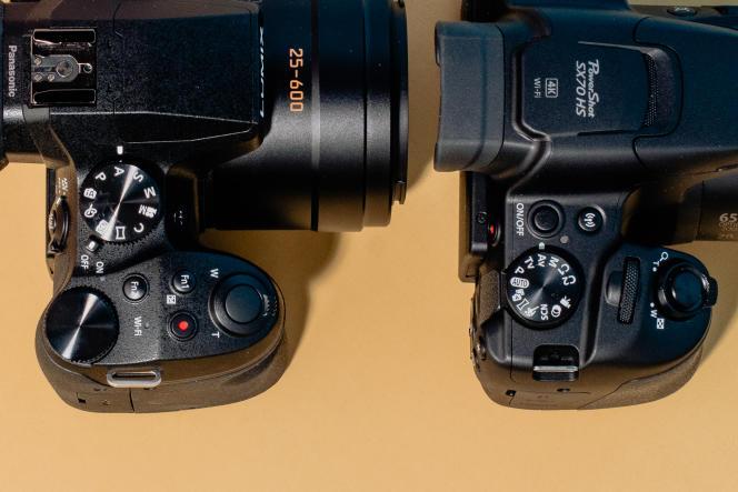En plus de son large choix de touches et molettes personnalisables, le FZ300 dePanasonic (à gauche) dispose d'une griffe flash et d'une poignée plus profonde, bien plus confortable, que celle du SX70 HS de Canon (à droite).