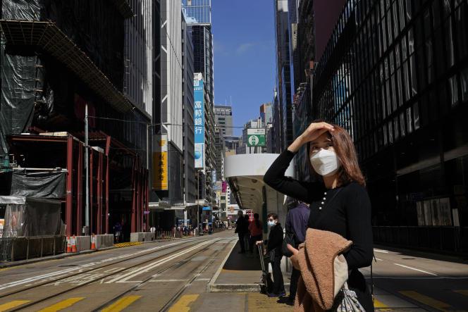 A Hongkong, le 26 février. La fontière avec la Chine continentale est quasimment fermée en raison de l'épidémie due au coronavirus.