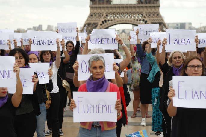 Manifestation du collectif Nous toutes pour dénoncer le 100e féminicide de l'année 2019, à Paris, le 1er septembre 2019.