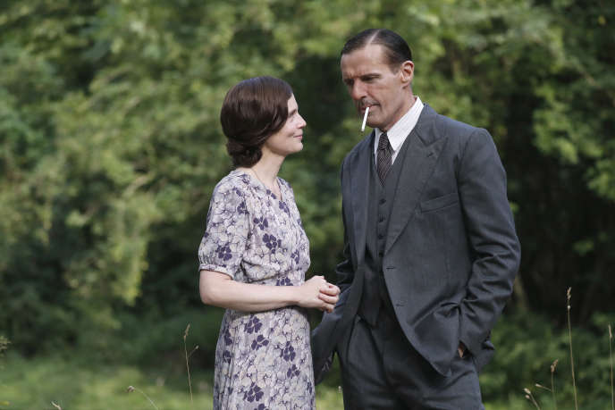 Isabelle Carré (Yvonne de Gaulle) et Lambert Wilson (Charles de Gaulle).